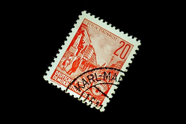 collectionner des timbres une pratique a franc succès